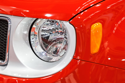 clean headlights with toothpaste
